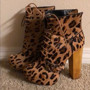 Steve Madden Carnby-L Leopard Lace Up Ankle Boots